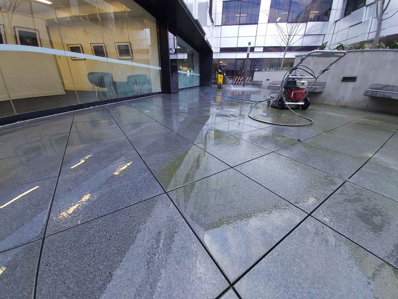 Cloverdale pressure cleaning services exterior concrete